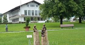 Гулять и любоваться скульптурами в этом парке можно бесконечно.
