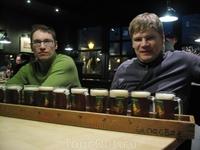 """В пивоварне Георгбрау.""""Метр"""" пива( 12 кружек по 200мл)"""