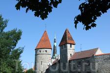 Башни средневековых стен города