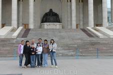 Главная площадь Улан-Батора, площадь Чингисхана