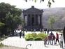 Вид на храм  Гарни, место обязательное:) для посещения. Популярнейший маршрут для туристов.