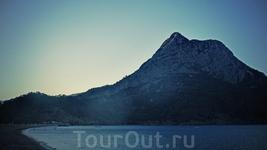 Горы-горы-горы не устанешь их фотографировать тысячи раз с тысяч ракурсов в любую погоду, в каждое время суток и время года...