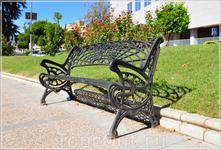 кованная скамейка на улицах Мериды...