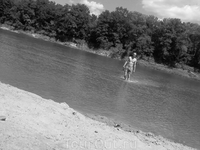 река, день