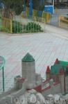 Крепость детская в парке развлечений 4.