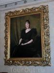 Портрет Каролины Штернберг - бабушки нынешнего владельца замка.