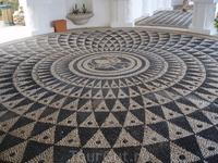 И опять моя любимая мозаика из гальки в большой ротонде терм.
