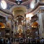Внутри в церкви Св. Петра