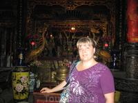 В Храме Куан Тхань