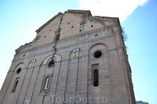 Анчисхати в Тбилиси В храме Анчисхати можно увидеть иконы XIX века и запрестольный образ, созданный в 1683 году. А икона, давшая имя этой церкви уже более ...