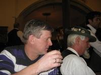 Реального баварского пацана(на заднем плане) можно снять только изподтишка.
