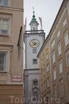 Целый день гуляли по Зальцбургу - родному городу Моцарта, очень симпатичный город,прекрасная архитектура, множество красивейших готических соборов.