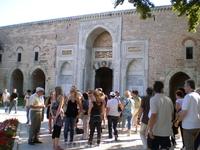 Имперские ворота дворца Топкапи внутри.