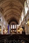 Внутреннее убранство Церкви Святой Троицы.