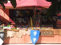 одна из лавок средневекового фестиваля