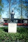 Памятник создателю парка скульптур человеческого тела Густаву Вигеланду.