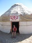 История: с древнейших времён и по сей день юрта - палатка, сделанная из фетра, - является традиционным жилищем кочевников Средней Азии. К концу ХIХ-го ...