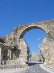 Антик Сиде. Крепостные стены с городскими воротами.