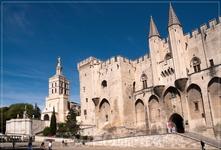 Авиньон - небольшой романтичный городок на юге Франции, расположенный на берегу реки Рона, в Провансе. Город является весьма стоящей остановкой на пути ...