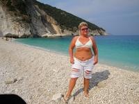 на пляже Миртос