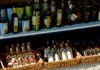 Множество магазинчиков с оригинальными продуктами Тасоса дают простор для выбора подарков и сувениров.