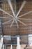 В аэропорту. На потолке огромные металлические вентиляторы гоняют воздух своими лопостями
