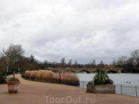Вид на мост со стороны Lansbury's Lido.