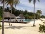 Специально уложенных тропинок и дорожек на этом острове нет, везде мягчайший незабываемый песок, единственный и самый удобный выход – ходить босиком.