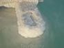 Мёртвое море. Дощечки старого мостика пропитались солью и стали напоминать космический предмет...