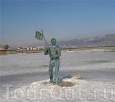 Памятник контрабандисту Геше Козодоеву