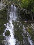 Самый большой водопад, в мае он весьма и весьма полноводен,пришлось переходить вброд.