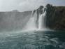Водопад, падающий в Средиземное море в Ларе Анталии