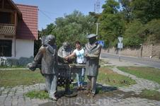 Дилижан.Памятник героям фильма Мимино