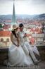 Кстати, в Прагу, как известно часто приезжают молодожены, чтобы сыграть свадьбу или как минимум сделать фотосессию. Так что встретить молодых не редкость ...