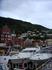 набережная возле рыбного рынка и вид на гору Флёйен