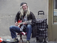 Уличный музыкант, Белград.