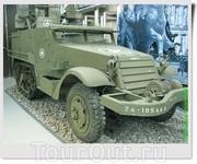 Зенитная самоходная установка из США M16 Multiple Gun Motor Carriage. Полугусеничные бронетранспортёры входили в состав танковых и моторизованных полков ...