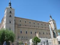 Дворец Алькасар — визитная карточка города. Его неоднократно перестраивали. Последние изменения были внесены Карлом V, в 1535 году, который посчитал, что самое высокое здание Толедо вполне может служи