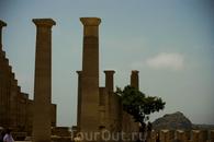 Руины портика храма Афины Линдии
