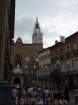 Перпиньян. На заднем плане католический собор - самый большой однонефный собор