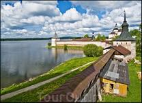 Вид на озеро с крепостной стены