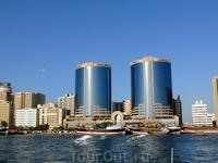 Здания Twin Towers