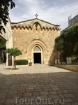 Францисканская католическая церковь по пути следования Иисуса с крестом - http://jerusalem.com/articles/jerusalem/church_of_the_conviction_%E2%80%93_franciscan_catholic-a657