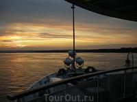 Волга красива и утром и днем и вечером