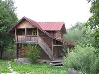Гостиница(?). В общем деревянный резной домик