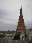 """""""Падающая"""" башня Сююмбике издавна являлась символом Казани. Отличается изяществом пропорций. Вероятнее всего башня построена между 1692 и 1838 годами рядом ..."""