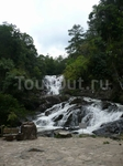 Второй водопад по пути в Да Лат