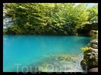 голубое озеро, водная гладь