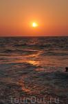 Закат на пляже Кандолим