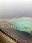 На острове всего 50 вилл. Каждая вилла просторна, оснащена всем необходимым для непринужденного отдыха, имеет шикарный вид на океан и индивидуальный выход ...